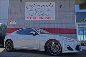 2013 Scion FR-S  3-Spoke Leather-Wrapped TiltTelescopic Steering Wheel 300-Watt Pioneer AmFm St