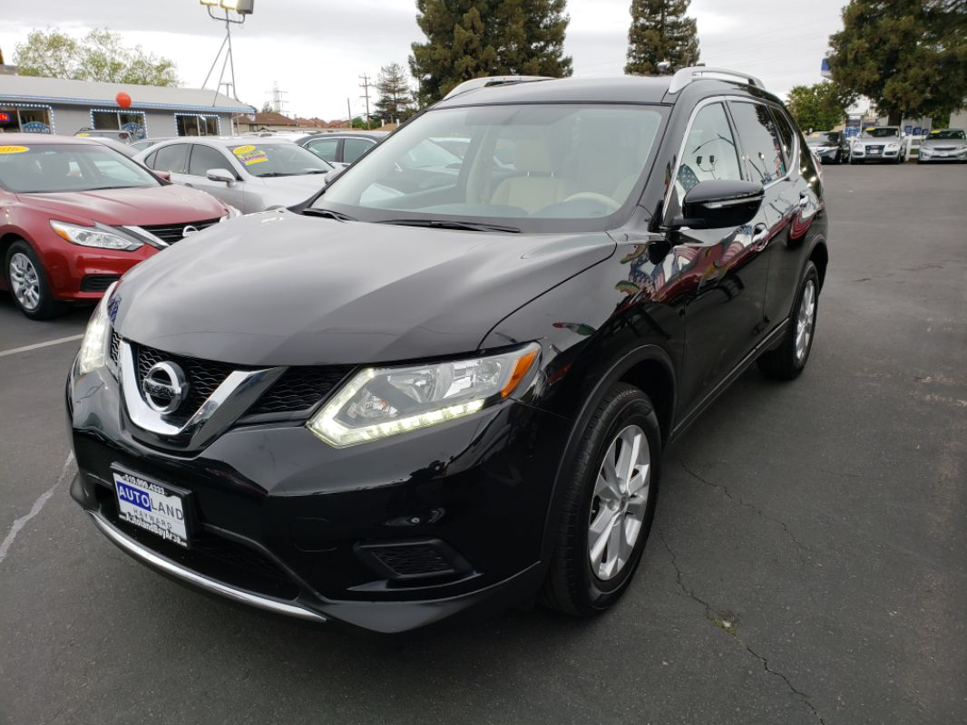 2015 Nissan Rogue SV  Super Black All advertised prices exclude government fees and taxes any
