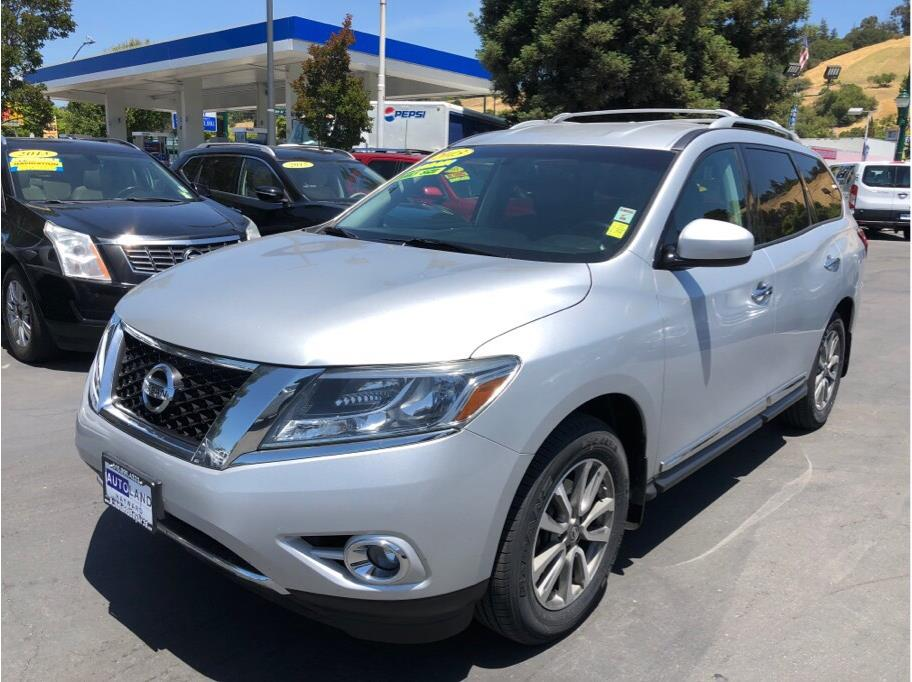 2013 Nissan Pathfinder SL  Gray All advertised prices exclude government fees and taxes any fi