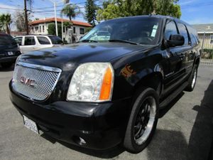 2007 GMC Yukon XL SLT Carfax Report - No Accidents  Damage Reported to CARFAX  Onyx Black  Pur