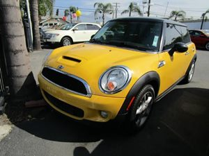 2009 MINI Cooper Hardtop S Carfax Report - No Accidents  Damage Reported to CARFAX  Mellow Yel