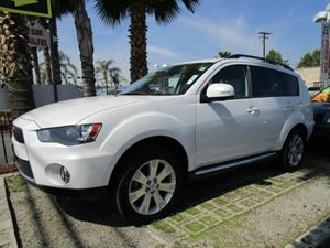 2010 Mitsubishi Outlander SE Carfax 1-Owner - No Accidents  Damage Reported to CARFAX  Diamond