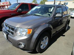 2011 Ford Escape XLT Carfax 1-Owner - No Accidents  Damage Reported to CARFAX  Sterling Gray Me