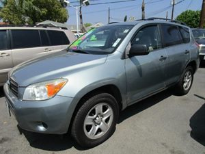 2007 Toyota RAV4  Carfax 1-Owner - No Accidents  Damage Reported to CARFAX  Classic Silver Meta