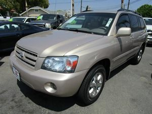 2004 Toyota Highlander  Carfax 1-Owner - No Accidents  Damage Reported to CARFAX Audio  AmFm S