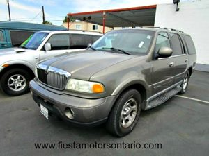2002 Lincoln Navigator  Carfax Report 2 Cup Holders Molded In Rear Quarter Trim Panels 2-12 M