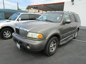 2002 Lincoln Navigator  Carfax Report  Light Parchment  Purchase any vehicle and receive a fre