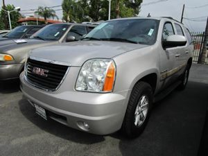 2007 GMC Yukon SLT Carfax Report - No Accidents  Damage Reported to CARFAX  Silver Birch Metall