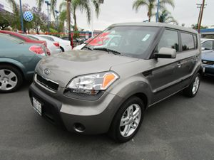 2011 Kia Soul  Carfax Report - No Accidents  Damage Reported to CARFAX 6040 Split-Folding Rear