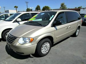 2007 Chrysler Town  Country LWB LX Carfax Report - No Accidents  Damage Reported to CARFAX 3Rd