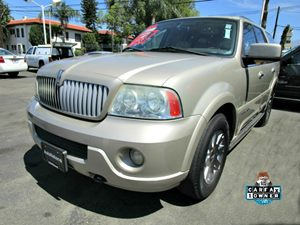2004 Lincoln Navigator Luxury Carfax 1-Owner - No Accidents  Damage Reported to CARFAX 2Nd Row C