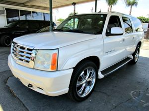 2004 Cadillac Escalade ESV  Carfax Report - No Accidents  Damage Reported to CARFAX  Security Sy