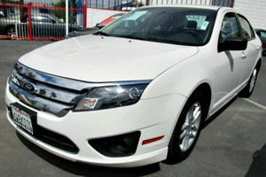 2012 Ford Fusion S Carfax 1-Owner - No Accidents  Damage Reported to CARFAX 2 12V Pwr Points