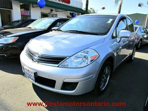 2012 Nissan Versa S Carfax Report - No Accidents  Damage Reported to CARFAX 4-Way Manual Driver