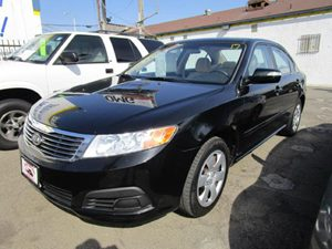 2010 Kia Optima LX Carfax Report - No Accidents  Damage Reported to CARFAX  Black  It is the
