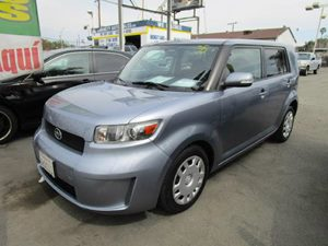2009 Scion xB  Carfax Report - No Accidents  Damage Reported to CARFAX  Classic Silver Metalli