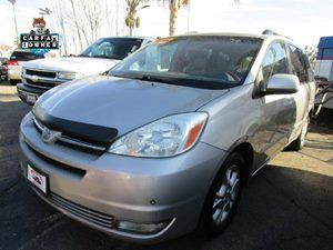 2004 Toyota Sienna XLE Carfax 1-Owner - No Accidents  Damage Reported to CARFAX  Silver Shadow