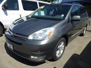 2005 Toyota Sienna XLE Carfax Report - No Accidents  Damage Reported to CARFAX  Silver Shadow