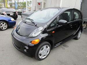 2012 Mitsubishi i-MiEV ES Carfax 1-Owner - No Accidents  Damage Reported to CARFAX  Labrador B