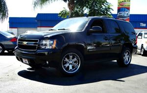 2011 Chevrolet Tahoe LT Carfax Report - No Accidents  Damage Reported to CARFAX Seats Second Ro