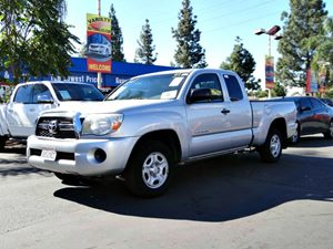 2011 Toyota Tacoma  Carfax Report - No Accidents  Damage Reported to CARFAX  Silver Streak Mic