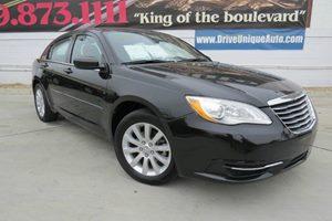 View 2013 Chrysler 200