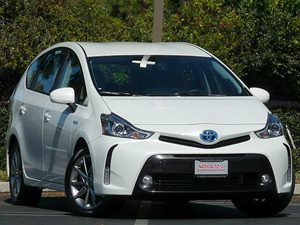 View 2015 Toyota PRIUS V