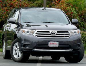 View 2013 Toyota Highlander