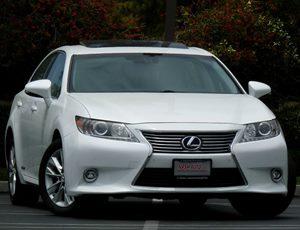 View 2014 Lexus ES 300h