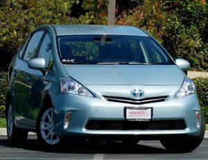 View 2013 Toyota Prius v