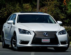 View 2013 Lexus LS 460