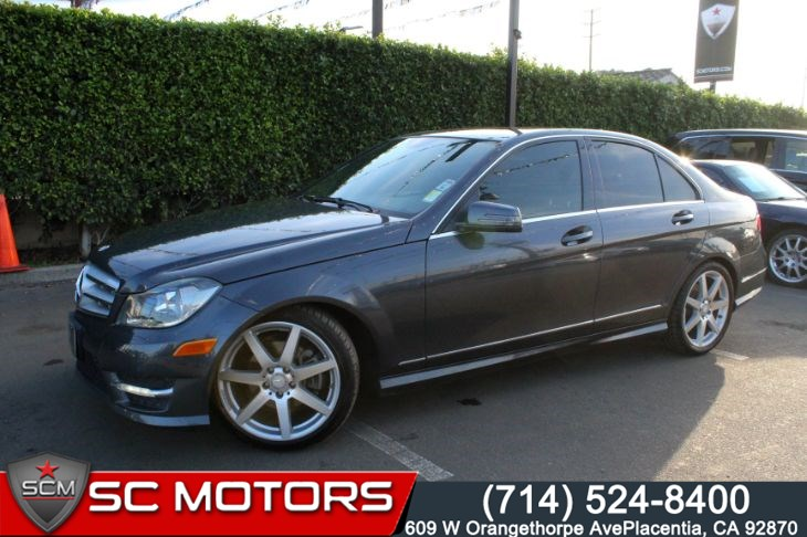 2013 Mercedes-Benz C250 Luxury (NAVIGATION & BACK UP CAMERA)