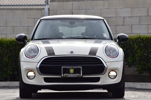 2016 MINI Cooper Hardtop  Carfax 1-Owner Audio  Auxiliary Audio Input Body-Colored Power Heated