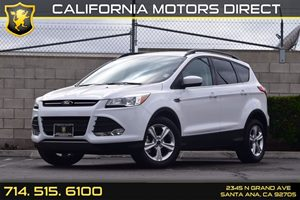 2015 Ford Escape SE Carfax 1-Owner  Oxford White  We are not responsible for typographical err