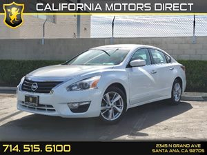 2014 Nissan Altima 25 SV Carfax 1-Owner - No AccidentsDamage Reported  Pearl White  We are n