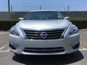 2015 Nissan Altima 25 Carfax 1-Owner - No AccidentsDamage Reported  Brilliant Silver  We are