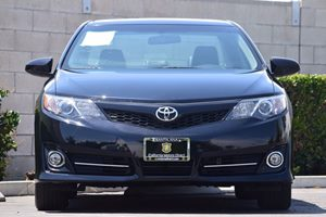 2014 Toyota Camry SE Carfax 1-Owner - No AccidentsDamage Reported  Attitude Black Metallic  W