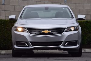 2015 Chevrolet Impala LT Carfax 1-Owner - No AccidentsDamage Reported  Champagne Silver Metall