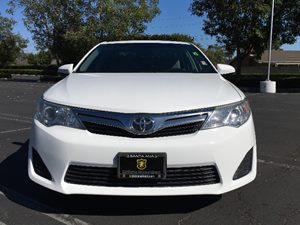 2014 Toyota Camry LE Carfax 1-Owner Audio  Auxiliary Audio Input Clearcoat Paint Convenience