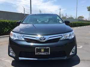 2014 Toyota Camry XLE Carfax 1-Owner  Cosmic Gray Mica  We are not responsible for typographic