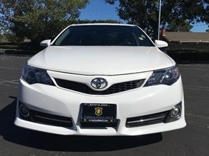 2014 Toyota Camry SE Carfax 1-Owner  Super White  We are not responsible for typographical err