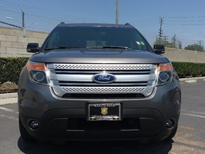 2014 Ford Explorer XLT Carfax 1-Owner - No AccidentsDamage Reported  Sterling Gray Metallic S