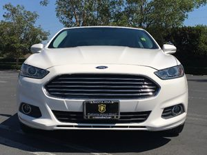 2015 Ford Fusion Energi SE Luxury Carfax 1-Owner  Oxford White  We are not responsible for typ