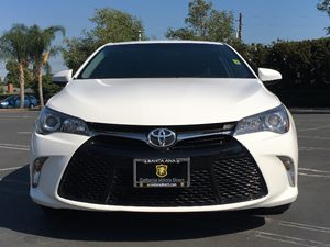 2015 Toyota Camry SE Carfax 1-Owner - No AccidentsDamage Reported  Super White  We are not re