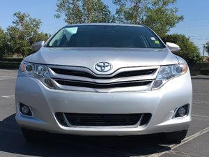 2014 Toyota Venza LE Carfax 1-Owner - No AccidentsDamage Reported  Classic Silver Metallic  W