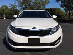 2013 Kia Optima LX Carfax Report - No AccidentsDamage Reported  Snow White Pearl  We are not