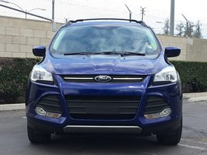 2014 Ford Escape SE Carfax 1-Owner - No AccidentsDamage Reported  Deep Impact Blue  We are no