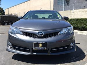 2014 Toyota Camry SE Carfax 1-Owner - No AccidentsDamage Reported  Gray  We are not responsib