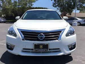 2015 Nissan Altima 25 SV Carfax 1-Owner - No AccidentsDamage Reported  White See ourentire i