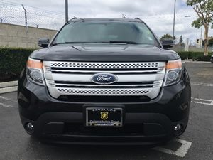 2014 Ford Explorer XLT Carfax 1-Owner - No AccidentsDamage Reported  Tuxedo Black Metallic  W
